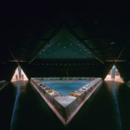 03-Judy_Chicago_The_Dinner_Party_Installation_at_Brooklyn_Museum_Overview