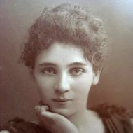 Elizabeth_Robins_by_W&D_Downey,_c1890ssquare