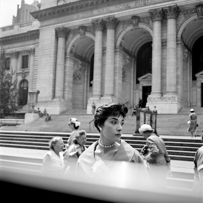 FVM_Woman Hat NY Public Library_©Vivian Maier_Maloof Collection_online.jpg