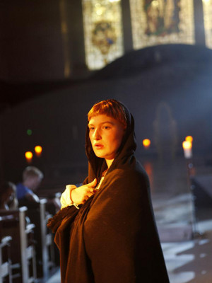 Sophie Crawford (Pope Joan) in Pope Joan at St James' Church Piccadilly. Photo by Simon Annand (4)_preview.jpg